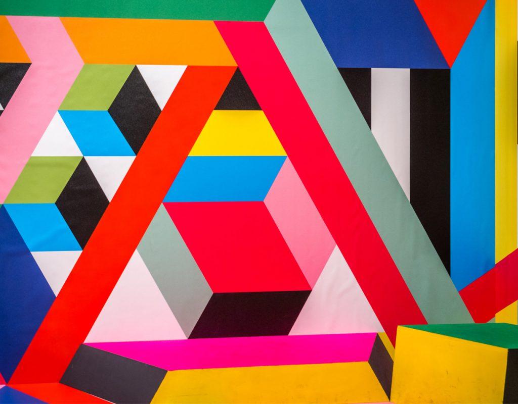 forma geometriche colorate che si intersecano